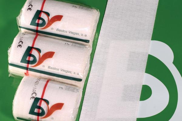 Universalbind elastisk BV 20cmx5m hvit